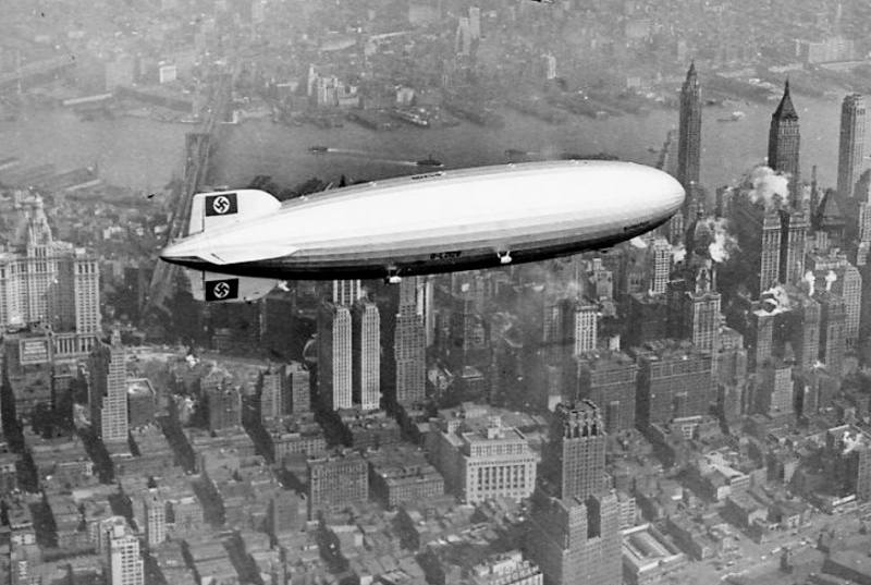 Hindenburg nad Nowym Jorkiem. Foto: By Associated Press via Wikimedia Commons